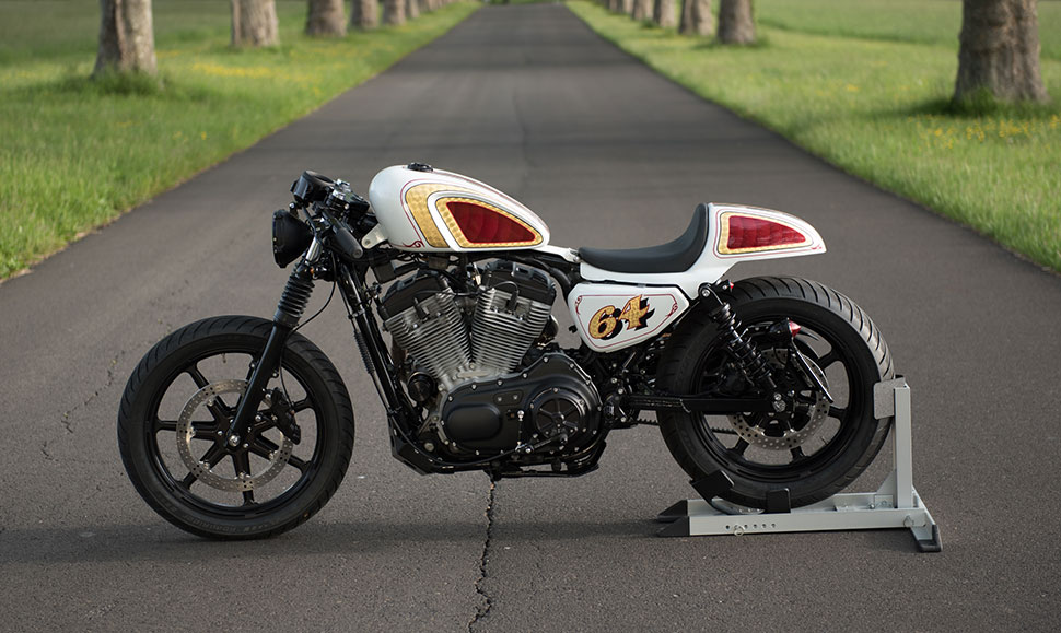Extrêmement Bike Build - From Stock Harley Sportster to Café Racer - Get  OV28